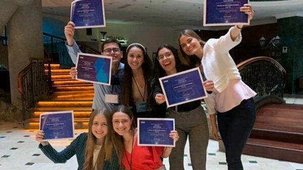 Tres uesebistas en el equipo ganador de la competencia mundial KPMG Ideation Challenge 2021 1